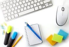 Kontorsskrivbord Fotografering för Bildbyråer