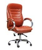 Kontorsstolen från orange läder. Isolerat Arkivbilder