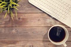 Kontorsträfunktionsdugligt skrivbord för bästa sikt Arkivbilder
