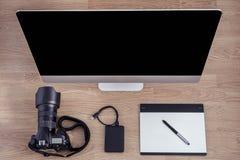 Kontorsutrustning, kontorsskrivbord Arkivbilder
