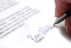 kontraktacyjny podpisywanie zdjęcie stock