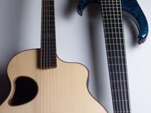 Kontrast Akustyczny i gitary elektryczne Zdjęcie Royalty Free