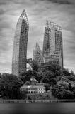 Kontrast der neuen und alten Architektur in Singapur Lizenzfreies Stockfoto