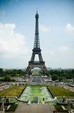 kontrast najwyższej wieży Eiffel Fotografia Stock
