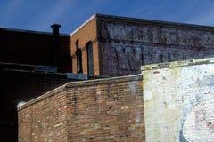 kontrast väggar för tegelsten arkivfoton