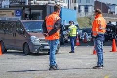 Kontrola graniczna sprawdza imigrację przy schronieniem Zdjęcie Royalty Free