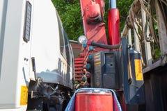 Kontrollant av lastbilmobilen royaltyfria bilder