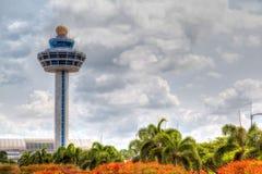 Kontrollant Tower för Singapore Changi flygplatstrafik Fotografering för Bildbyråer