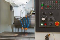 Kontrollbord av den moderna drejbänken industriell abstrakt bakgrund Royaltyfria Foton