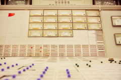 Kontrollbord av engireersrum av den Zwentendorf kärnkraftverket Royaltyfria Bilder