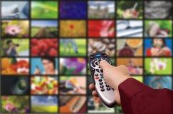 kontrollera den digitala fjärrtelevisionen royaltyfria foton