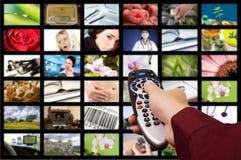 kontrollera den digitala fjärrtelevisionen Royaltyfria Bilder