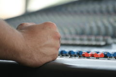 kontrollera den sound tabellen för mixen Arkivbilder