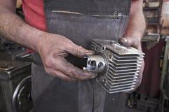 Kontrollera för maskinseminariumcylinder Royaltyfria Foton