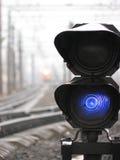 kontrollera ljus järnväg Arkivbild