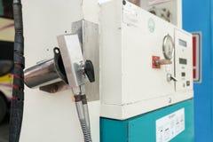 Kontrollerad gas som tankar medlet som tankar lättheten Arkivfoton