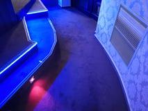 Kontrollljus på korridoren i bion royaltyfri fotografi