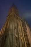Kontrolltürme verschwinden im Nebel Lizenzfreies Stockbild