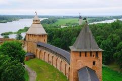 Kontrolltürme von Novgorod Kremlin Lizenzfreie Stockfotos