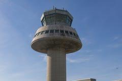 Kontrolltorn i den Barcelona flygplatsen, Catalonia, Spanien Arkivbilder