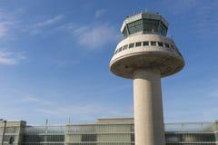 Kontrolltorn i den Barcelona flygplatsen, Catalonia, Spanien Royaltyfri Foto