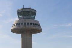 Kontrolltorn i den Barcelona flygplatsen, Catalonia, Spanien Arkivfoton