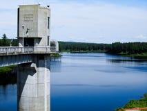 Kontrollturm bei Everett Dam stockfoto