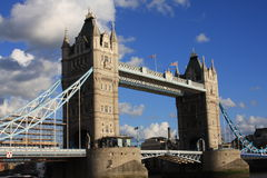 Kontrollturm-Brücke stockfoto