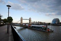 Kontrollturm-Brücke - 2 Lizenzfreie Stockfotografie