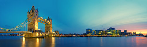 Kontrollturm-Brücke, London Stockbilder
