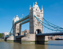 Kontrollturm-Brücke London lizenzfreie stockbilder