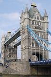 Kontrollturm-Brücke. London. England lizenzfreie stockfotos