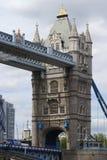 Kontrollturm-Brücke. London. England lizenzfreies stockbild