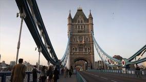 Kontrollturm-Brücke in London, Großbritannien stock video footage