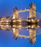 Kontrollturm-Brücke, London, Großbritannien Stockfotos