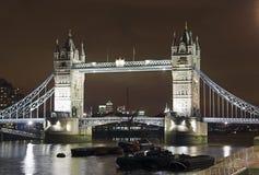 Kontrollturm-Brücke nachts Stockbilder
