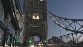 Kontrollturm-Brücke nachts stock video footage