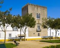Kontrollturm in Evora, Portugal Lizenzfreie Stockbilder