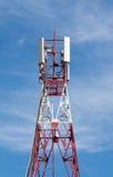Kontrollturm mit Antennen von zellularem Stockfotos