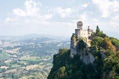 Kontrollturm San- Marinozweite: das Cesta oder das Fratta stockfotografie