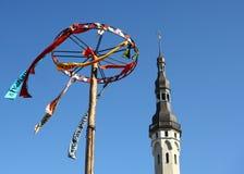 Kontrollturm und Dekoration in Tallinn Lizenzfreie Stockfotos
