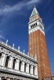 Kontrollturm in Venedig stockbilder