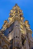 Kontrollturm von Rathaus des großartigen Platzes, Brüssel lizenzfreies stockbild