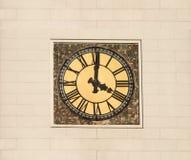 Kontrollturmborduhr mit römischen Digits lizenzfreie stockbilder