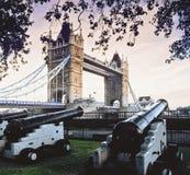 Kontrollturmbrücke stockbilder