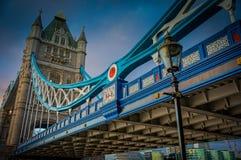 Kontrollturmbrücke Stockfotos