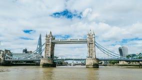 Kontrollturmbrücke in London stockbild