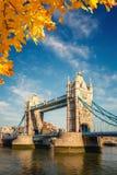 Kontrollturmbrücke in London Stockbilder