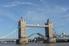 Kontrollturmbrücke in London Stockfotografie