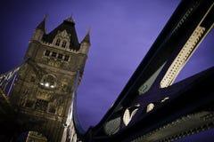 Kontrollturmbrücke London lizenzfreie stockfotos